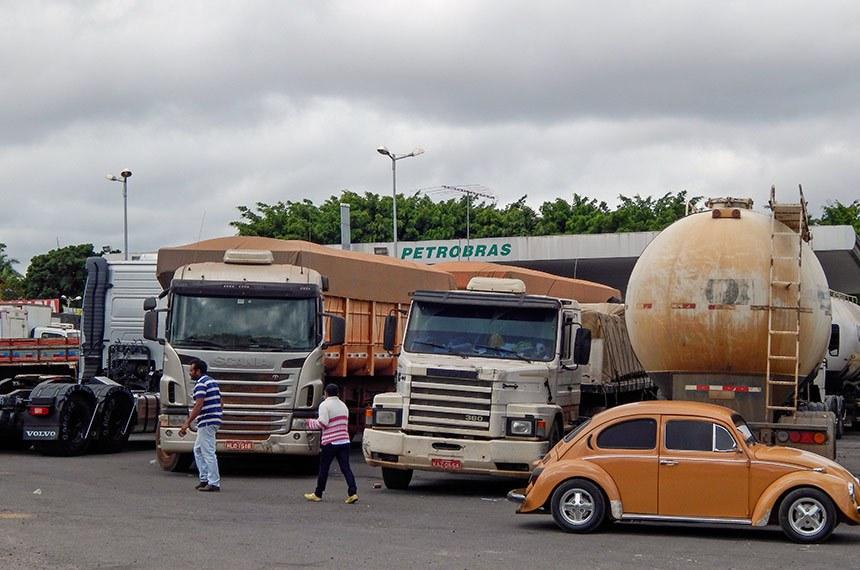 Posto Contagem - Sobradinho II - Motoristas formam filas para abastecer em consequência da greve dos caminhoneiros.   Foto: Jonas Pereira/Agência Senado
