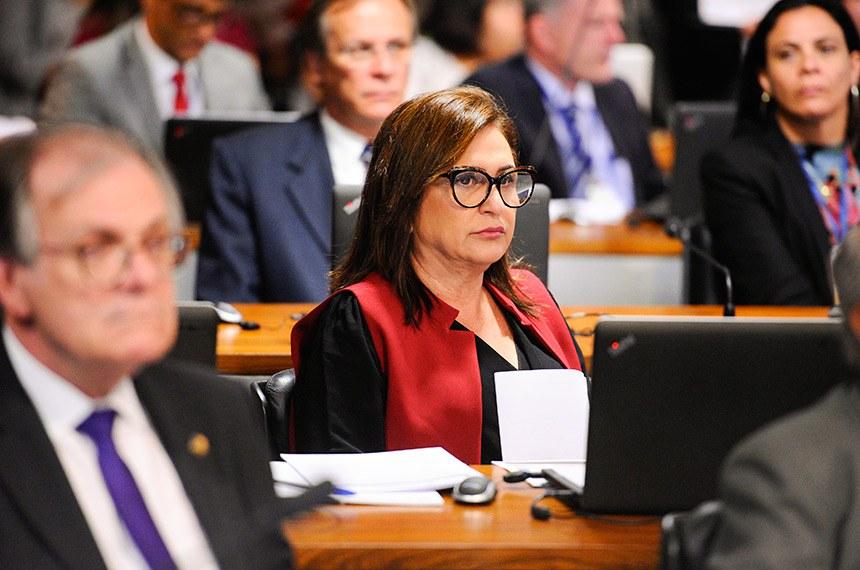Comissão de Assuntos Econômicos (CAE) realiza reunião deliberativa com 18 itens. Na pauta, o PLS 330/2013, que estabelece regras de proteção de dados pessoais.   Em foco, à bancada, senadora Kátia Abreu (PDT-TO).  Foto: Edilson Rodrigues/Agência Senado