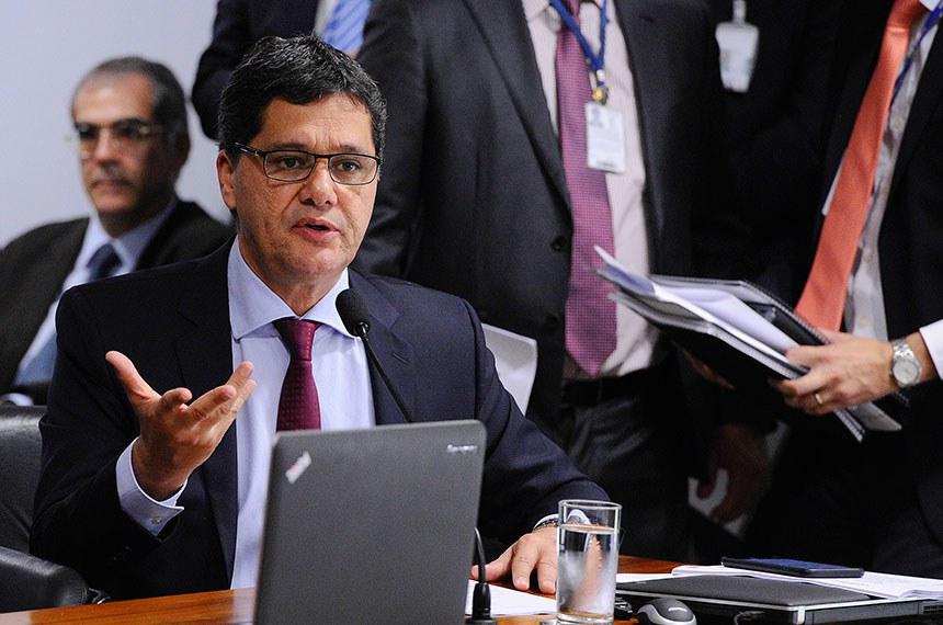 Comissão de Assuntos Econômicos (CAE) realiza reunião com 18 itens. Na pauta, o PLS 330/2013, que estabelece regras de proteção de dados pessoais.   Em pronunciamento, à bancada, senador Ricardo Ferraço (PSDB-ES).  Foto: Edilson Rodrigues/Agência Senado