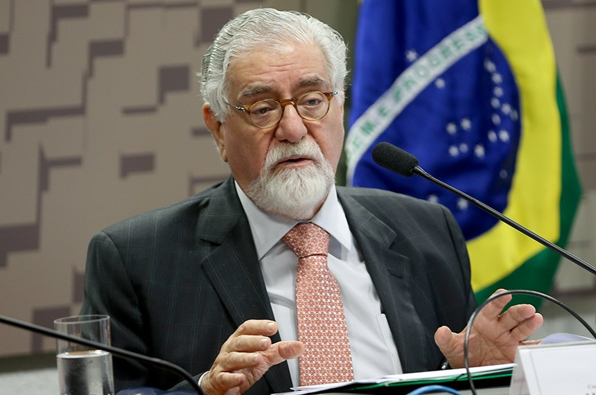Brasília - O ex-ministro das Relações Exteriores Celso Lafer participa na Comissão Relações Exteriores do Senado do segundo painel do ciclo de debates Brasil e a Ordem Internacional (Wilson Dias/Agência Brasil)
