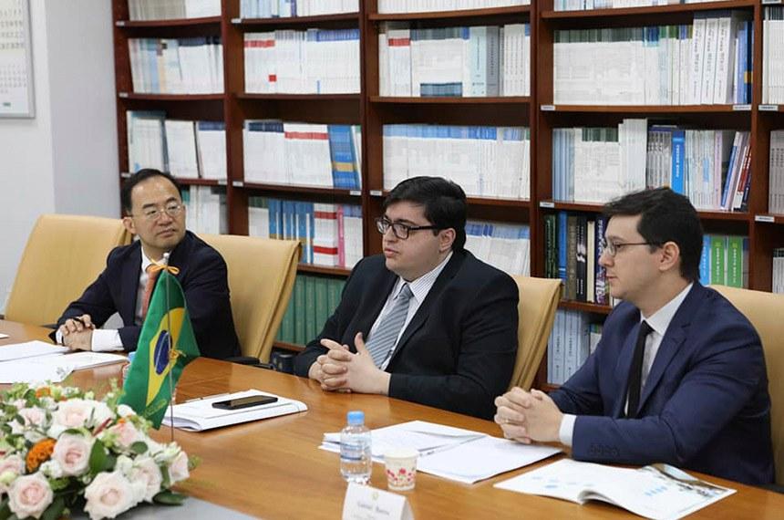 Salto (C) e Gabriel Barros (D) participaram ainda de várias reuniões bilaterais durante o evento