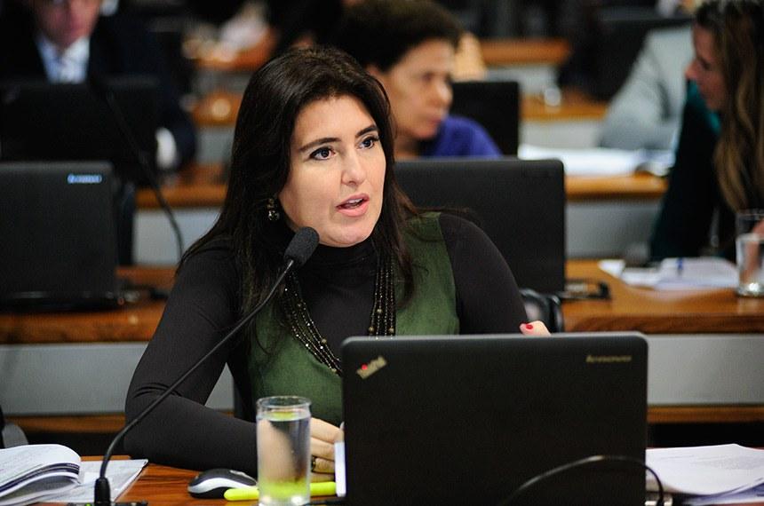 Comissão de Assuntos Econômicos (CAE) realiza reunião deliberativa com 10 itens. Entre eles, o PLS 188/2010, que estabelece prazo de validade do exame da Ordem dos Advogados do Brasil (OAB).   À bancada em pronunciamento, senadora Simone Tebet (MDB-MS).  Foto: Pedro França/Agência Senado
