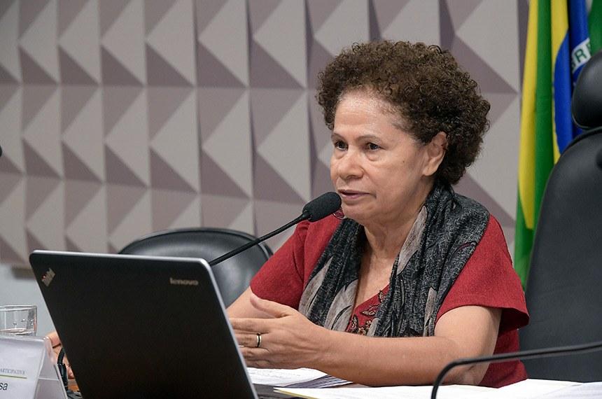 Comissão de Direitos Humanos e Legislação Participativa (CDH) realiza reunião deliberativa com 24 itens na pauta. Entre eles, o PLS 382/2011, que obriga cota de brinquedos para crianças com deficiência em shoppings.   À mesa, presidente da CDH, senadora Regina Sousa (PT-PI).  Foto: Waldemir Barreto/Agência Senado
