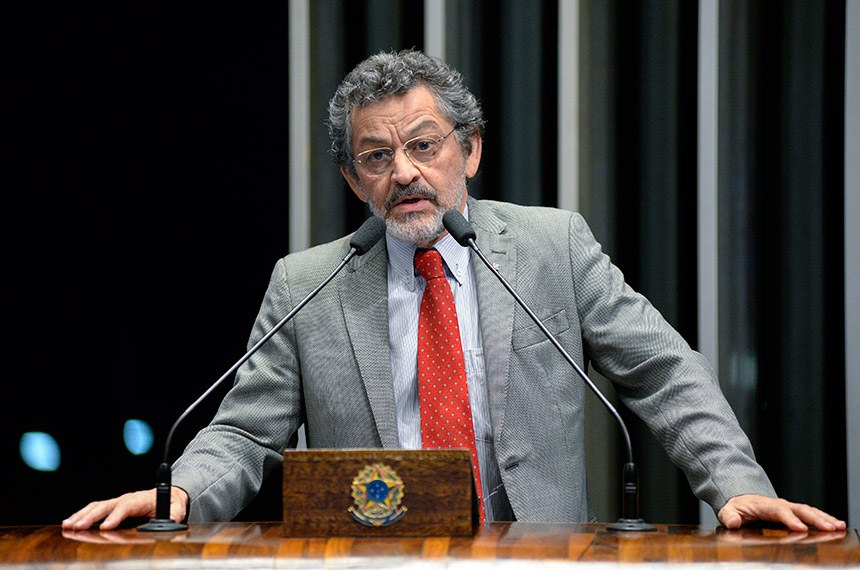 Plenário do Senado Federal durante sessão deliberativa ordinária.   Em discurso, à tribuna, senador Paulo Rocha (PT-PA).  Foto: Jefferson Rudy/Agência Senado