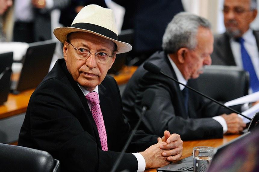 O senador Antonio Carlos Valadares (PSB-SE) é o relator da matéria na CCJ