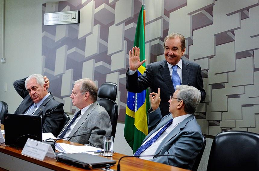Comissão de Assuntos Econômicos (CAE) realiza reunião deliberativa com 14 itens. Na pauta, o PLS 219/2009, que permite associações e fundações requererem o plano especial de recuperação judicial.   Mesa: senador Otto Alencar (PSD-BA); presidente da CAE, senador Tasso Jereissati (PSDB-CE);  senador José Agripino (DEM-RN);  vice-presidente da CAE, senador Garibaldi Alves Filho (MDB-RN).  Foto: Edilson Rodrigues/Agência Senado