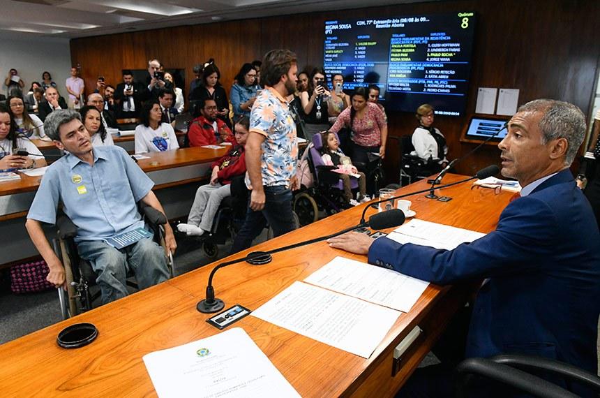 A audiência foi requerida pelo senador Romário (Pode-RJ), que defendeu a liberação do medicamento Spinraza