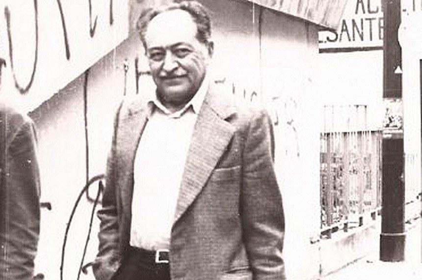 Miguel Arraes foi preso pela Ditadura em 1º de Abril de 1964, sendo encarcerado em uma cela do 14º Regimento de Infantaria do Recife e, posteriormente, sendo levado para  a ilha de Fernando de Noronha, onde permaneceu onze meses. Após deixar a ilha, foi encaminhado para as prisões da Guarda e do Corpo de Bombeiros, em Recife, e da Fortaleza de Santa Cruz, no Rio de Janeiro. Sobral Pinto, advogado do ex-governador de Pernambuco, entrou com um pedido de Habeas Corpus que foi aceito por unanimidade e Arraes foi libertado em 25 de maio.