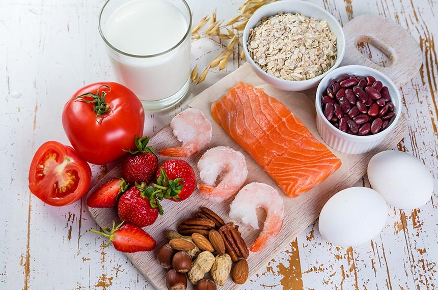 Food allergies - food concept with major allergens  ---------  Foto conceito de alimentos que geralmente causam alergia