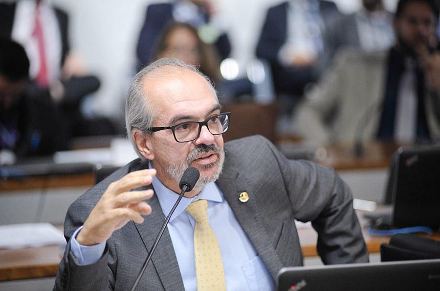 Novas tecnologias podem otimizar trabalho parlamentar, argumenta Roberto Muniz, autor do projeto