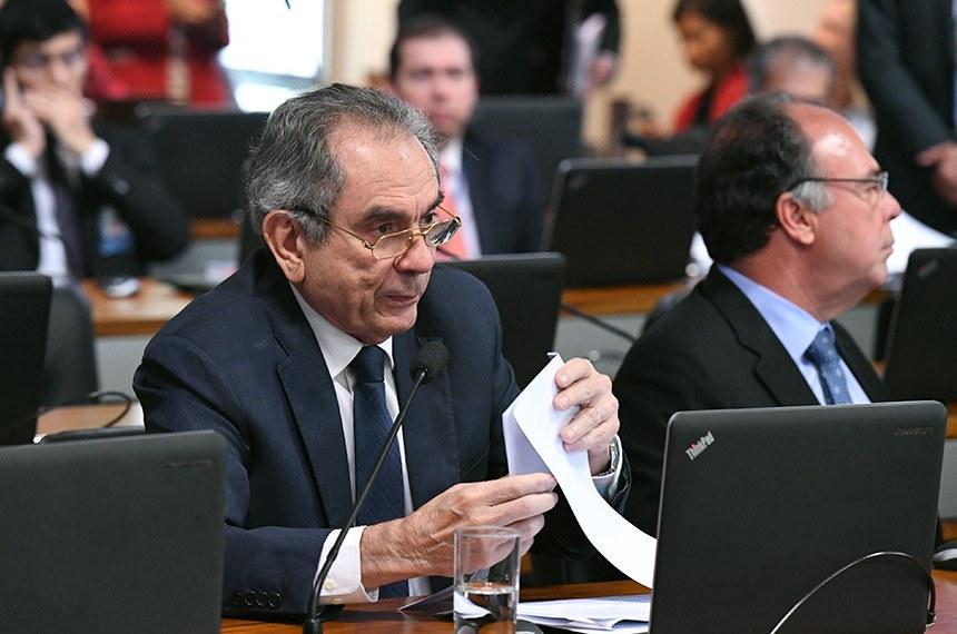 Comissão de Assuntos Econômicos (CAE) realiza reunião com 14 itens. Na pauta, o PLS 163/2018, que exclui precatórios do plano de recuperação fiscal dos estados.    Foto: Edilson Rodrigues/Agência Senado