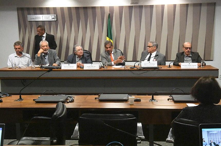 Comissão Senado do Futuro debate democratização dos meios de comunicação