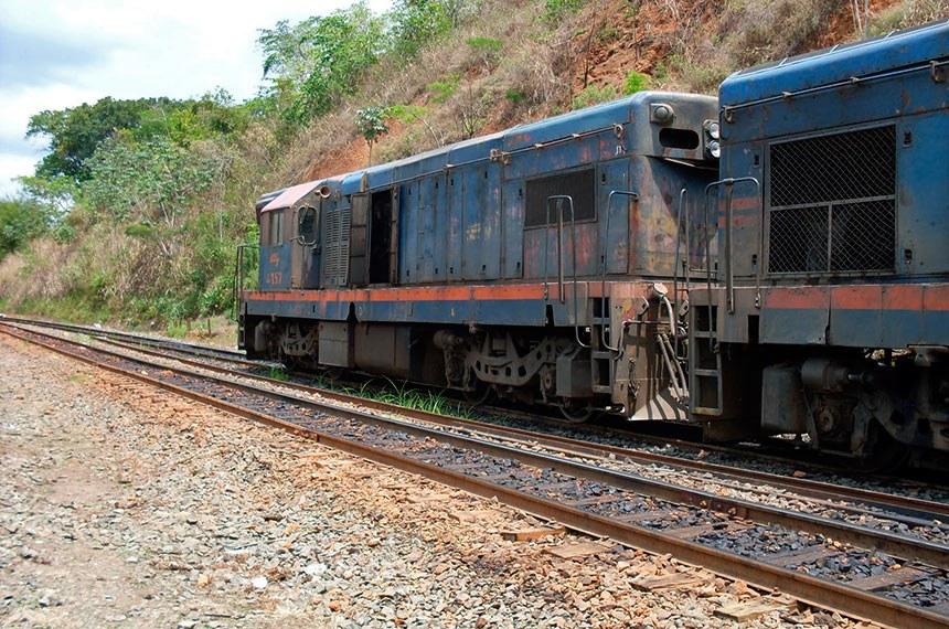 Locomotivas - Pátio da FCA em Recreio-MG