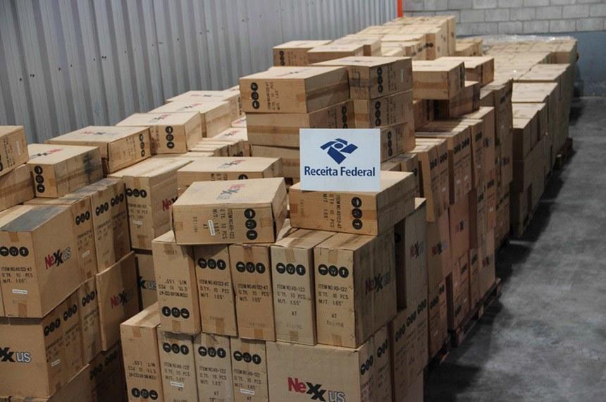 Receita apreende carga ilegal com produtos de informática em Suape, PE  Foto: Receita Federal/Divulgação