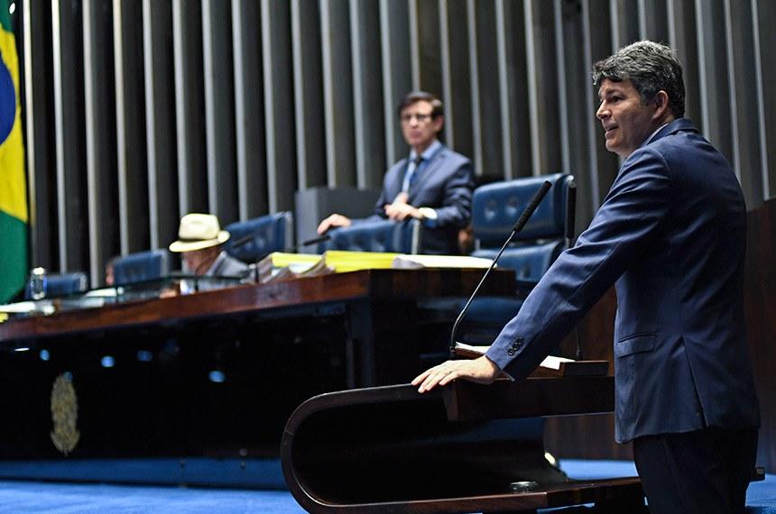 Plenário do Senado Federal durante sessão deliberativa ordinária.   Em discurso, à tribuna, senador José Medeiros (Pode-MT).  Foto: Jefferson Rudy/Agência Senado