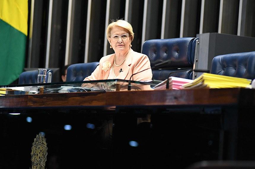 Plenário do Senado Federal durante sessão deliberativa extraordinária.   À mesa, senadora Ana Amélia (PP-RS) conduz sessão.  Foto: Jefferson Rudy/Agência Senado