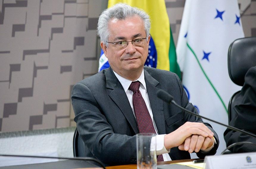 João Luiz de Barros Pereira Pinto em sabatina na Comissão de Relações Exteriores (CRE)