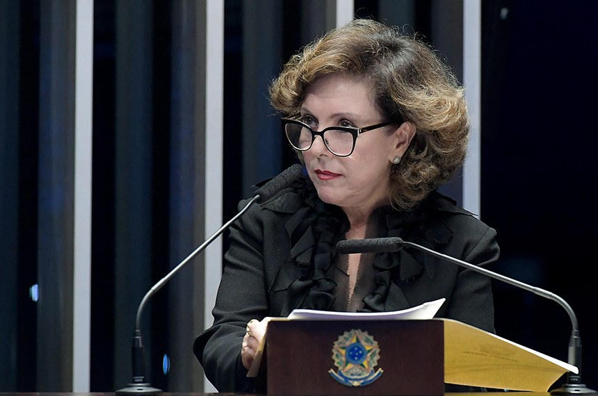 Plenário do Senado Federal durante sessão deliberativa ordinária.   Em discurso, à tribuna, senadora Ione Guimarães (PTB-GO).  Foto: Waldemir Barreto/Agência Senado