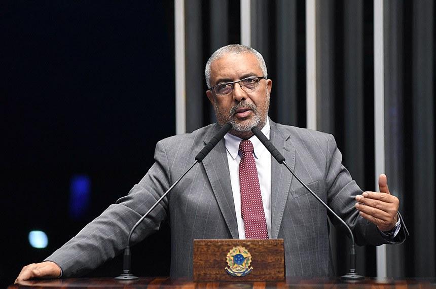 Plenário do Senado Federal durante sessão deliberativa ordinária.   Em discurso, senador Paulo Paim (PT-RS).   Foto: Jefferson Rudy/Agência Senado