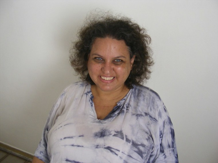 A lei foi inspirada no caso da professora e blogueira Lola Aronovich, alvo de difamação na web