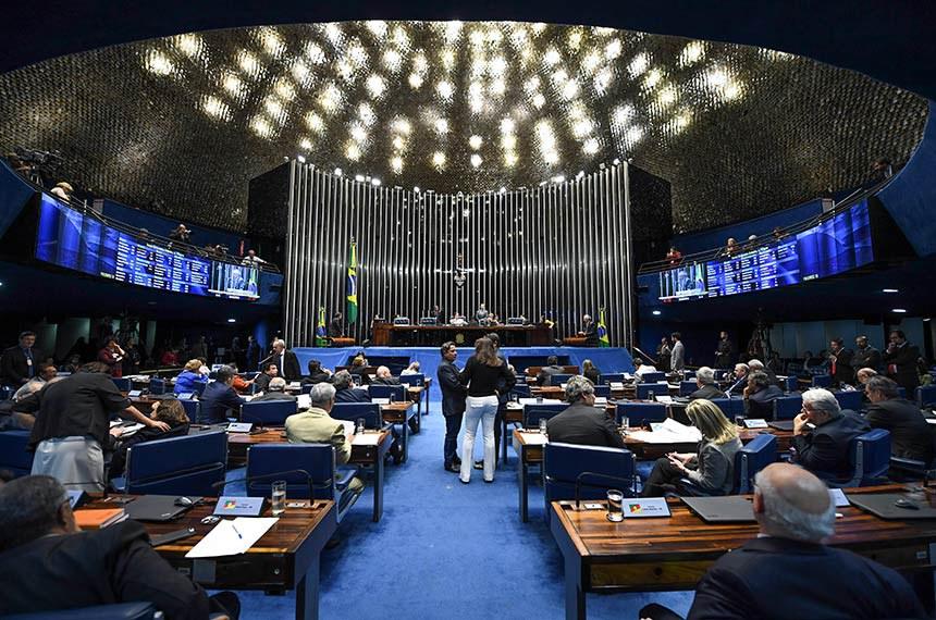 Plenário do Senado Federal durante sessão deliberativa ordinária.   À mesa, presidente do Senado Federal, senador Eunício Oliveira (MDB-CE), conduz sessão.  Foto: Jefferson Rudy/Agência Senado