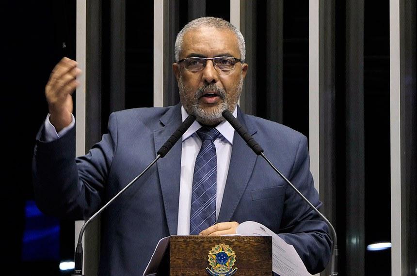 Plenário do Senado Federal durante sessão não deliberativa.   Em discurso, à tribuna, senador Paulo Paim (PT-RS).  Foto: Roque de Sá/Agência Senado