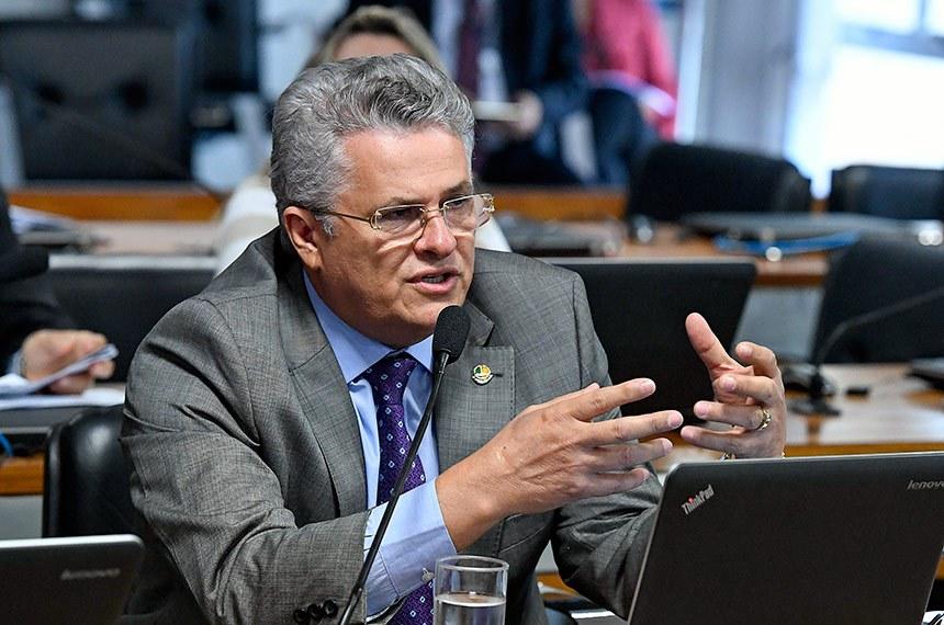 Comissão de Desenvolvimento Regional e Turismo (CDR) realiza reunião para apreciação das emendas ao PLOA 2019.  Em pronunciamento, senador José Amauri (Pode-PI) à bancada.  Foto: Edilson Rodrigues/Agência Senado