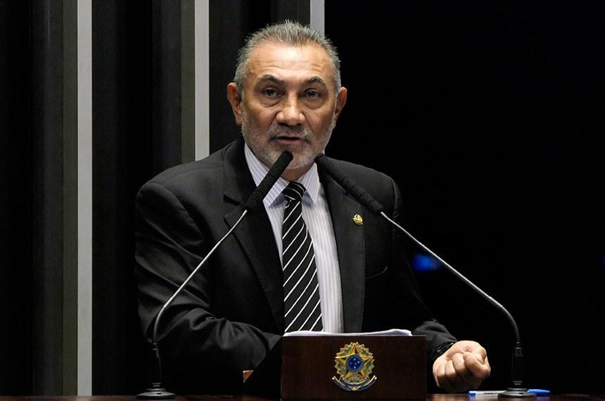 Plenário do Senado Federal durante sessão não deliberativa.   À tribuna em discurso, senador Telmário Mota (PTB-RR).  Foto: Roque de Sá/Agência Senado
