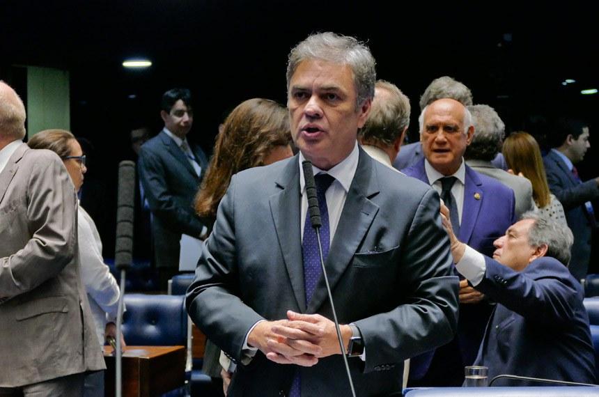 Plenário do Senado Federal durante sessão deliberativa ordinária.   À bancada em pronunciamento, senador Cássio Cunha Lima (PSDB-PB).  Foto: Roque de Sá/Agência Senado