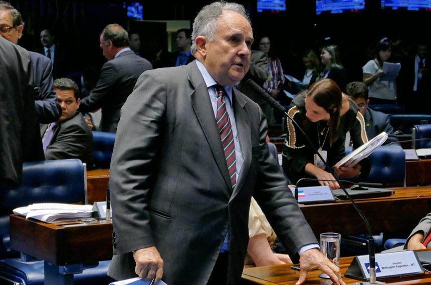 Plenário do Senado Federal durante sessão deliberativa ordinária.   À bancada em pronunciamento, senador Cristovam Buarque (PPS-DF).  Foto: Roque de Sá/Agência Senado