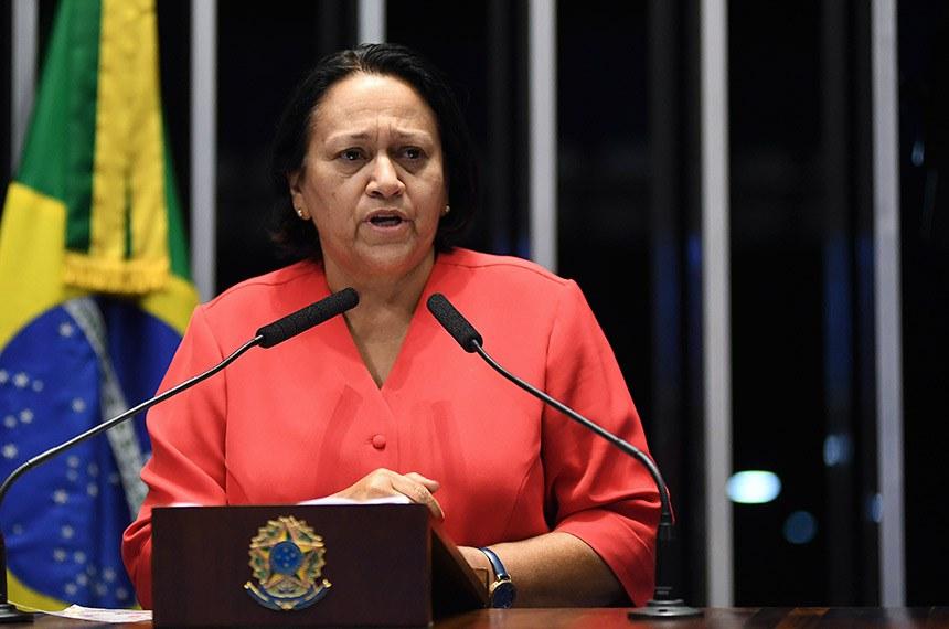 Plenário do Senado Federal durante sessão deliberativa ordinária.   Em discurso, à tribuna, senadora Fátima Bezerra (PT-RN).  Foto: Jefferson Rudy/Agência Senado