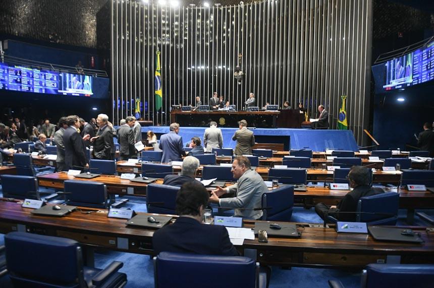 Apesar de muitos discursos contrários às propostas, Plenário aprovou projetos com ampla maioria de votos