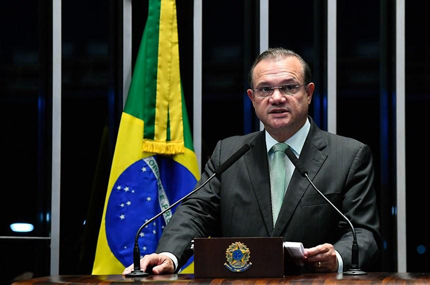 Plenário do Senado Federal durante sessão não deliberativa.   Em discurso, à tribuna, senador Wellington Fagundes (PR-MT).  Foto: Marcos Oliveira/Agência Senado