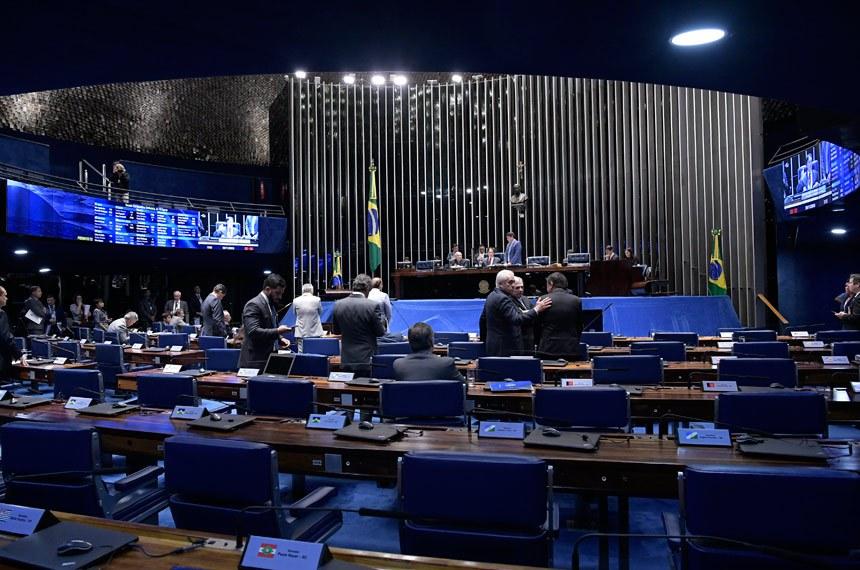 Plenário do Senado Federal durante sessão deliberativa ordinária. Ordem do dia.  Mesa: presidente do Senado,  senador Eunício Oliveira (MDB-CE).  Foto: Waldemir Barreto/Agência Senado