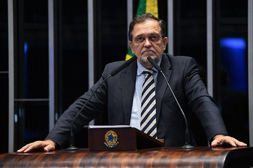 Plenário do Senado Federal durante sessão deliberativa ordinária.   À tribuna em discurso, senador Walter Pinheiro (sem partido-BA).  Foto: Jefferson Rudy/Agência Senado