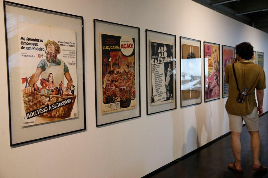 A exposição Galáxia (s) do Cinema – Máquinas, Engrenagens, Movimentos ou This strange little thing called love, resgata a história do cinema através de equipamentos e peças que mostram a evolução no Museu de Arte Moderna.