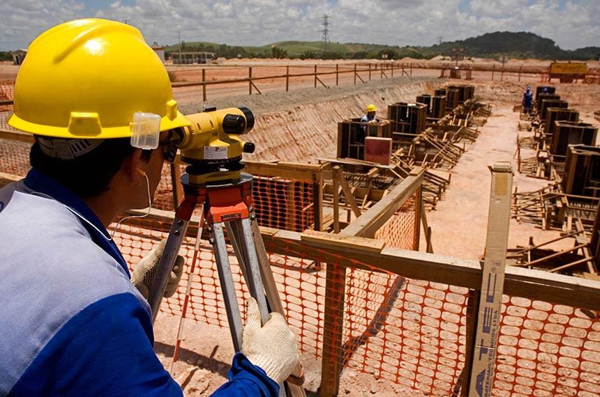 02/12/2009-Obras da Refinaria Abreu e Lima.  Construção de refinaria da Petrobras em Pernanmbuco: auditoria do TCU aponta irregularidades em faturas e obras.