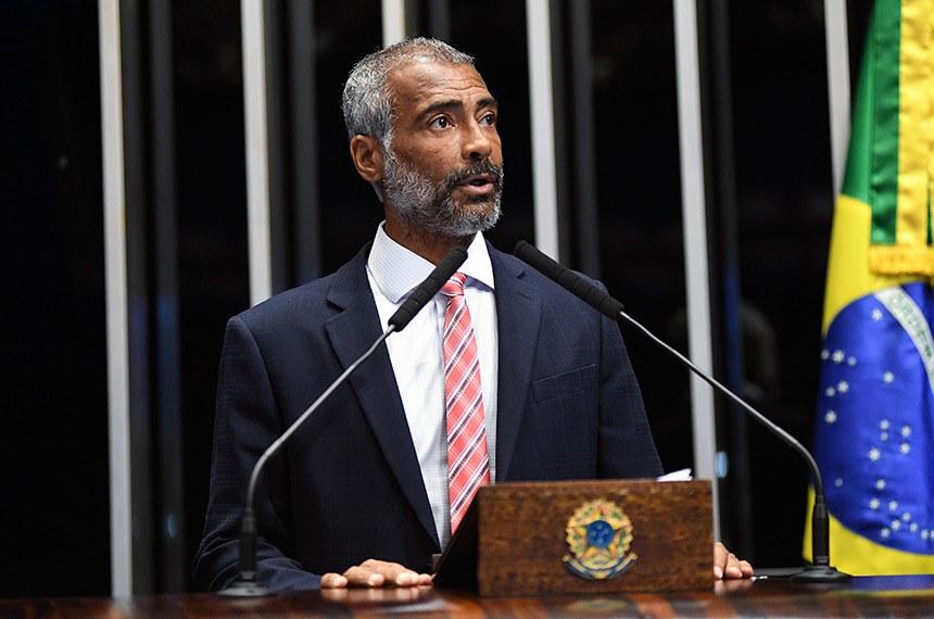 Plenário do Senado Federal durante sessão deliberativa ordinária.   Em discurso, à tribuna, senador Romário (Pode-RJ).  Foto: Jefferson Rudy/Agência Senado
