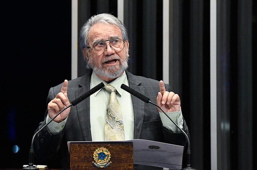 Plenário do Senado Federal durante sessão deliberativa extraordinária.   Em discurso, à tribuna, senador Guaracy Silveira (DC-TO).  Foto: Edilson Rodrigues/Agência Senado