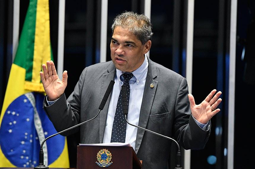 Plenário do Senado Federal durante sessão não deliberativa.   Em discurso, à tribuna, senador Hélio José (Pros-DF).  Foto: Edilson Rodrigues/Agência Senado