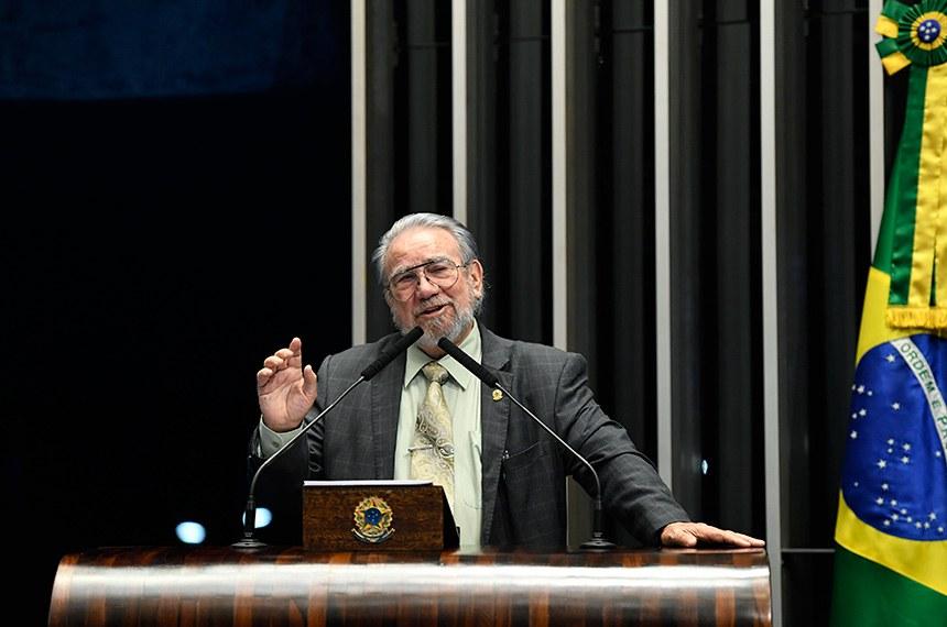 Plenário do Senado Federal durante sessão não deliberativa.   Em discurso, à tribuna, senador Guaracy Silveira (DC-TO).  Foto: Edilson Rodrigues/Agência Senado