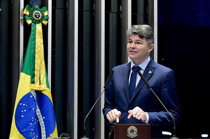 Plenário do Senado Federal durante sessão não deliberativa.   À tribuna em discurso, senador José Medeiros (Pode-MT).  Foto: Waldemir Barreto/Agência Senado