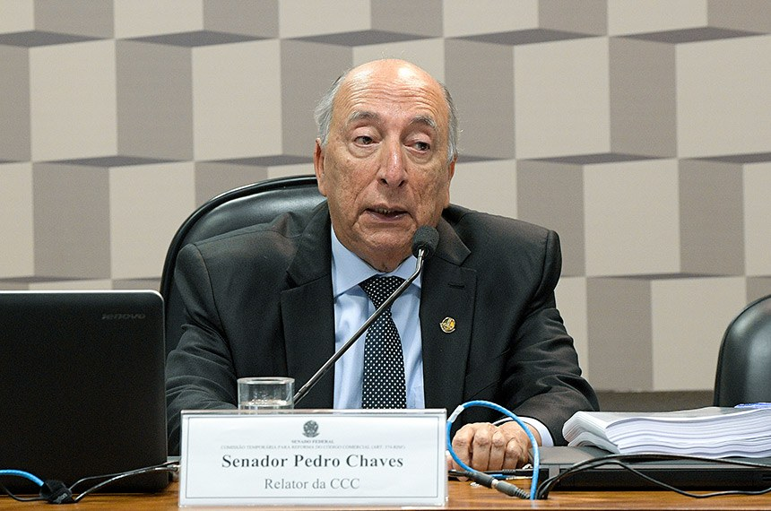 CCC - Comissão Temporária para Reforma do Código Comercial (Art. 374-RISF) realiza reunião deliberativa para apreciação de relatório.  À mesa, relator da CCC, senador Pedro Chaves (PRB-MS) em pronunciamento.  Foto: Pedro França/Agência Senado
