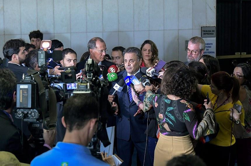 Senador Aécio Neves (PSDB-MG) concede entrevista.   Foto: Waldemir Barreto/Agência Senado