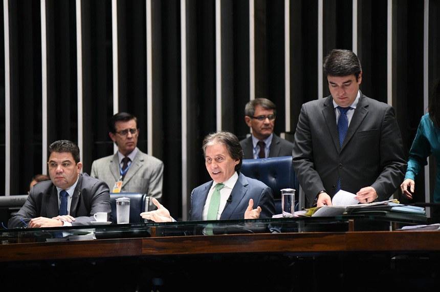 Plenário do Senado Federal durante sessão deliberativa ordinária. Ordem do dia.  Mesa: senador Cidinho Santos (PR-MT); presidente do Senado, senador Eunício Oliveira (MDB-CE).  Foto: Jefferson Rudy/Agência Senado