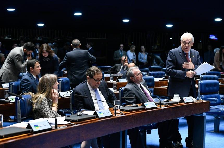 Plenário do Senado Federal durante sessão deliberativa ordinária.   À bancada em pronunciamento, senador Otto Alencar (PSD-BA).  Foto: Moreira Mariz/Agência Senado