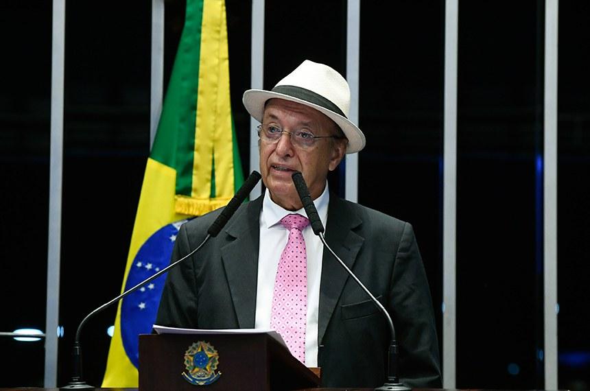 Plenário do Senado Federal durante sessão deliberativa extraordinária.   Em discurso, senador Antonio Carlos Valadares (PSB-SE).  Foto: Marcos Oliveira/Agência Senado
