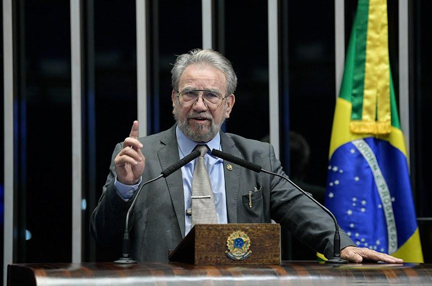 Plenário do Senado Federal durante sessão não deliberativa.   Em discurso, à tribuna, senador Guaracy Silveira (DC-TO).  Foto: Pedro França/Agência Senado