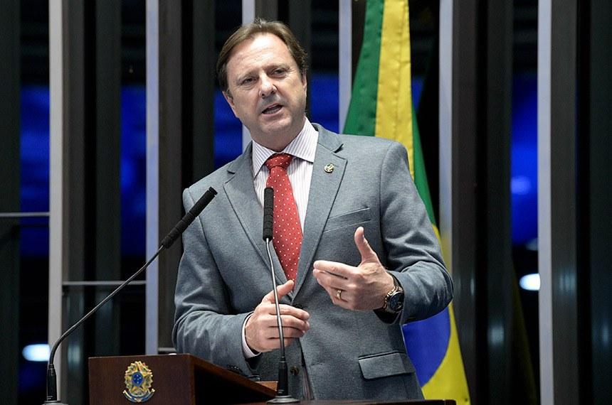 Plenário do Senado Federal durante sessão não deliberativa.   Em discurso, senador Acir Gurgacz (PDT-RO).  Foto: Pedro França/Agência Senado