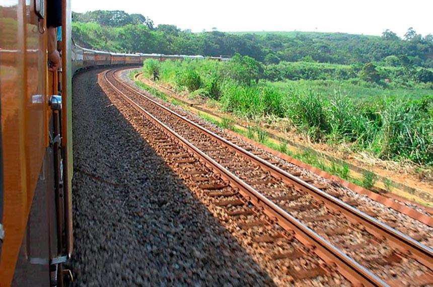Trecho da Ferrovia Norte-Sul em Tocantins.